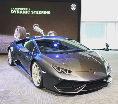 1110.THE ULTIMATE SUPERCAR AT QUARTIER HALL