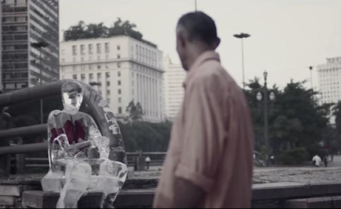 โรงพยาบาลทำ Guerilla Marketing ใส่อวัยวะเทียมเข้าไปในหุ่นน้ำแข็งกระตุ้นคนบริจาคอวัยวะต่อชีวิตให้คนอื่น