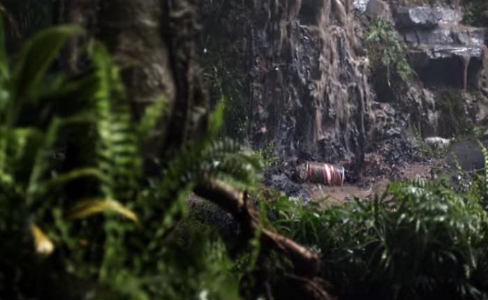 ขวดสเปรย์ครีมโกนหนวด Barbasol  กลับมาคืนชีพอีกครั้งในการ tie in ในหนัง Jurassic World! ภาคล่าสุด