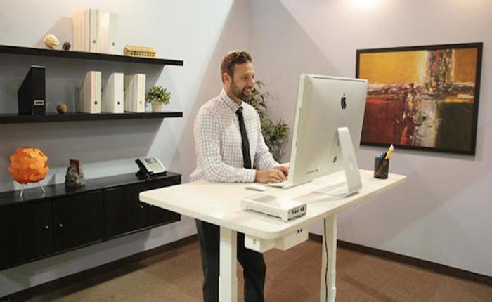 โต๊ะทำงานอัจฉริยะ ใช้เทคโลโลยี AI ทำงาน เสมือนหนึ่งมีเลขาส่วนตัวติดโต๊ะ