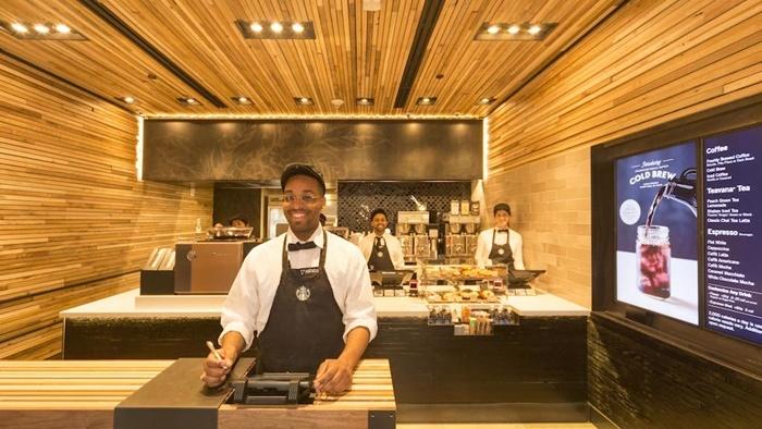"Starbucks เปิดตัวร้านแบบใหม่ ""Express"" ที่ Wall Street, NY"