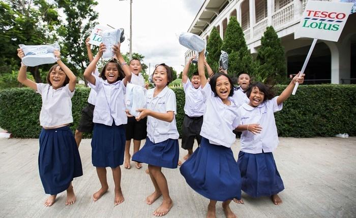 11TL พาน้องไปโรงเรียน ปี3 (Lo-Res)-238-001