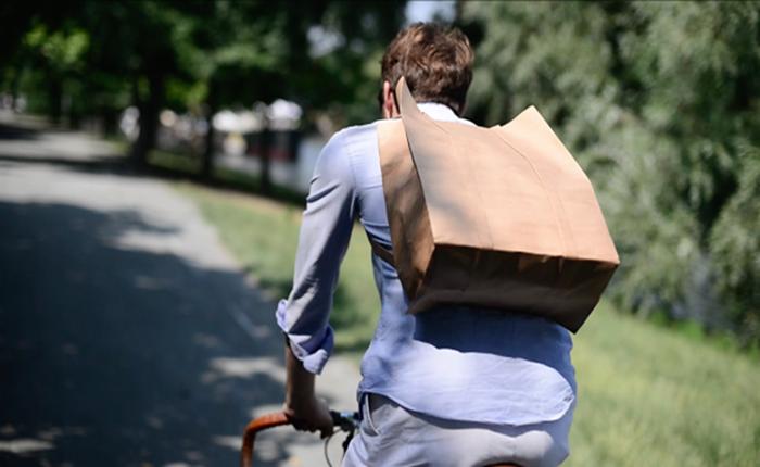 """โปรเจ็คต์รักษ์โลก ออกแบบ """"เป้ถุงกระดาษ"""" ตอบสนองไลฟ์สไตล์เอาใจนักปั่น"""