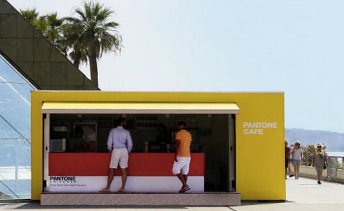 บริษัท Pantone ไม่ขายแค่เฉดสี แต่ยังมีร้านกาแฟริมชายหาดด้วย