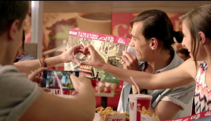 KFC โรมาเนียชวนวัยรุ่นถ่ายภาพลงโซเชียลมีเดียแบบเล่นง่ายเกินไปหรือเปล่า?