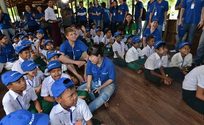 """ซัมซุงเปิด """"เทศกาลอาสาสมัครซัมซุงโลก 2015"""" ชวนพนักงานทั่วโลกทำกิจกรรมอาสาฯ"""