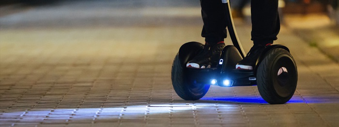 Xiaomi-hoverboard-made-with-Ninebot-and-Segway-photo-4a