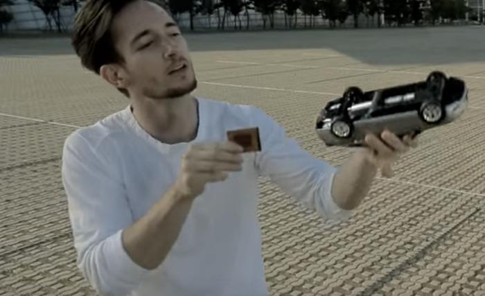 ฮุนไดส่งโฆษณาสุดครีเอทใช้เทคนิคการเล่นกลขายหลากฟีเจอร์รถไฮบริดได้ถึงแก่น!