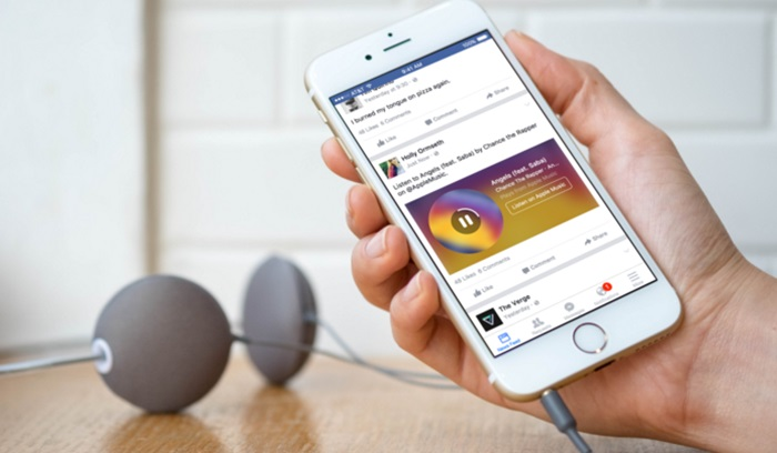 Facebook จะสามารถเล่นเพลงจาก Spotify และ Apple Music ได้ทาง News Feed