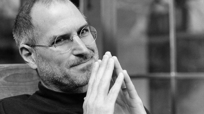 Steve-Jobs-Black-Wallpaper-7