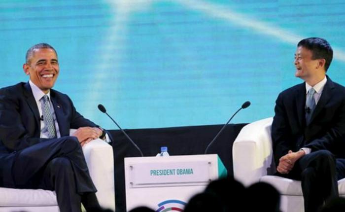 """การพบกันของ 2 ผู้ยิ่งใหญ่ของโลกเมื่อ """"โอบามา"""" หยอดถาม """"แจ๊ค หม่า"""" บนเวที APEC"""