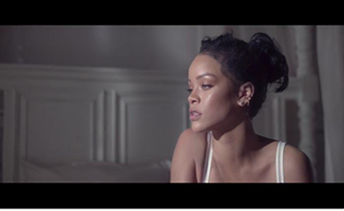 Samsung ทำ Digital Campaign สร้างปริศนาผ่านสายตาไอโคนิค อาร์ตติส Rihanna