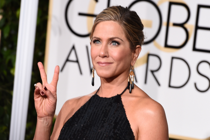 Jennifer-Aniston--Golden-Globes-2015_article_story_large