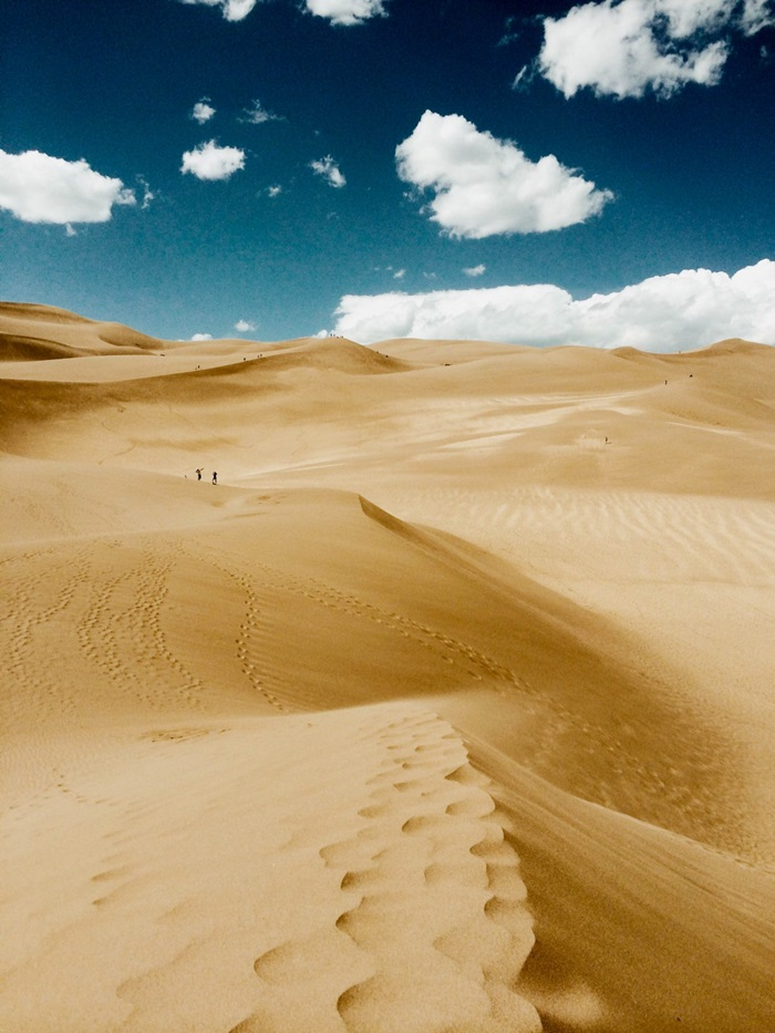 chris-belcina-took-his-winning-landscape-photo-in-great-sand-dunes-national-park-in-colorado-he-loves-how-iphone-photography-lets-him-turn-ordinary-moments-into-magical-ones