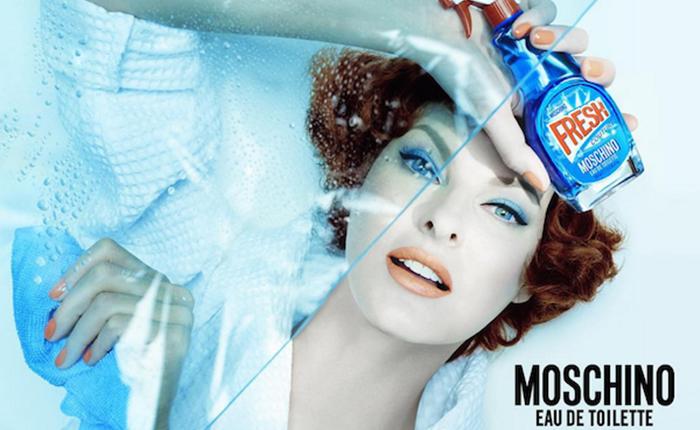 แบรนด์น้ำหอม Moschino เปิดตัวดีไซน์ใหม่ สีฟ้าสดใสเหมือนน้ำยาทำความสะอาด