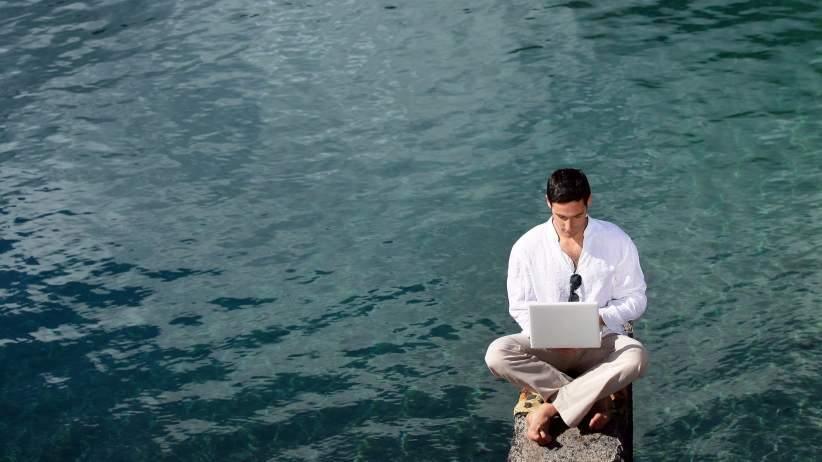 5-alternative-locations-get-work-done-when-need-escape-office-man-water-laptop