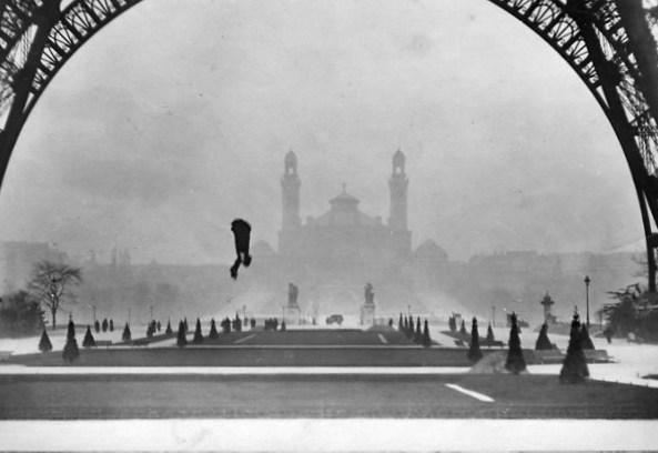 Franz Reichelt fatal parachute jump, 1912