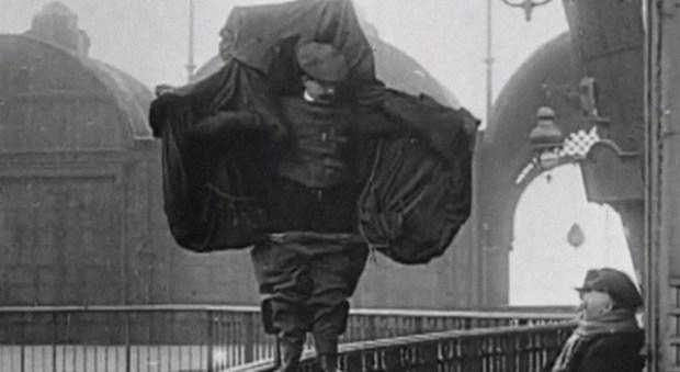 Inventors-Death-Franz-Reichelt-parachute-3