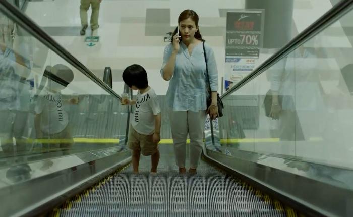 ภัยจาก 'บันไดเลื่อน' ใกล้ตัวกว่าที่คิด Mitsubishi Elevator ทำคลิปเตือนสติผู้ปกครอง