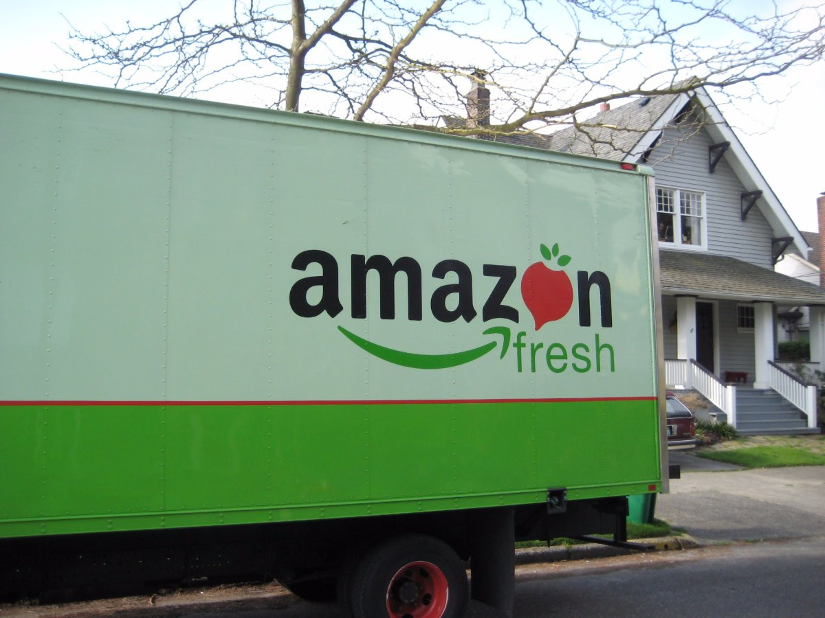 10-amazon-delivers-fresh-produce-and-groceries-with-amazon-fresh