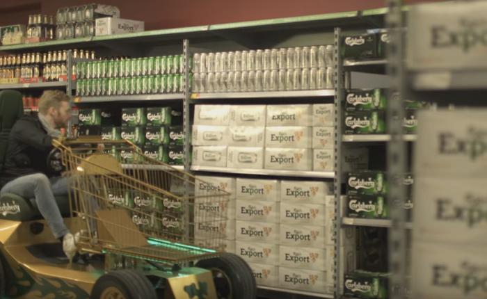 คาร์ลสเบิร์กรู้ใจหนุ่มๆ เป็นที่สุด สร้างรถขับซิ่งตรงดิ่งไปหยิบเบียร์ในซูเปอร์