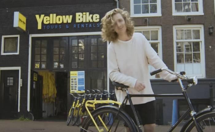 การท่องเที่ยวอัมสเตอร์ดัม จับเบาะหลังจักรยาน มาเป็นสะพานให้นักท่องเที่ยวได้รู้จักคนพื้นเมือง