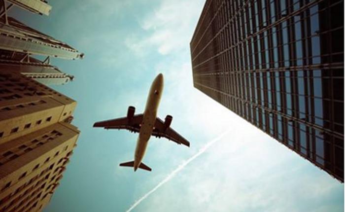 "Canon เกทับบัฟ Nikon ชวน user ส่งภาพแต่ง ""เครื่องบิน"" หลังพลาดเรื่องงานประกวด"