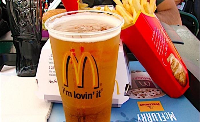 """""""แมคโดนัลด์"""" เตรียมเปิดขายเบียร์ครั้งแรกในเอเชีย"""