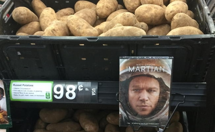 """การตลาดที่เหนือชั้นของ """"มันฝรั่ง"""" กับหนัง """"The Martian"""""""