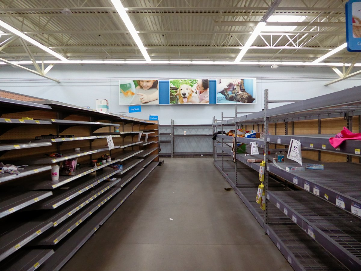the-hartland-michigan-supercenter-was-in-a-similar-state-of-disarray-2