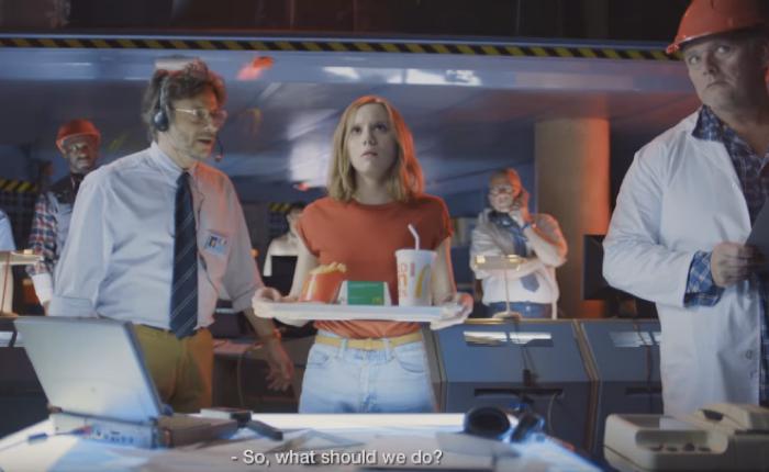 แมคโดนัลด์ส่งโฆษณากวนสุดติ่ง อวย! ใครเลือกอาหารชุดสุดคุ้ม เท่ากับเป็นคนมีปัญญาเลิศ!