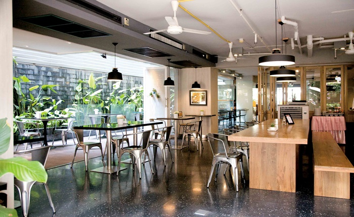 Alphabet-Cafe-Bar-4