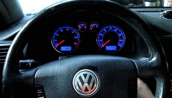 Volkswagen แก้ปัญหาอย่างไรหลังเจอผู้ประท้วงป่วนกลางเวทีเปิดตัวรถยนต์