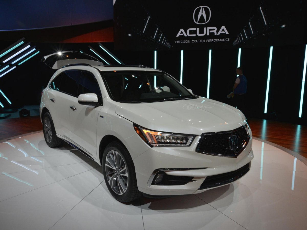 acura-introduced-a-redesigned-mdx-crossover-suv-at-the-show-and-