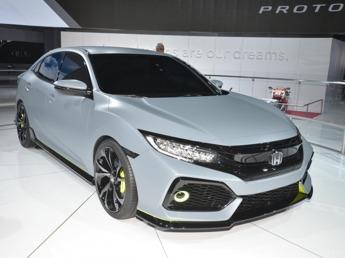 honda-introduced-its-sporty-civic-hatchback-prototype