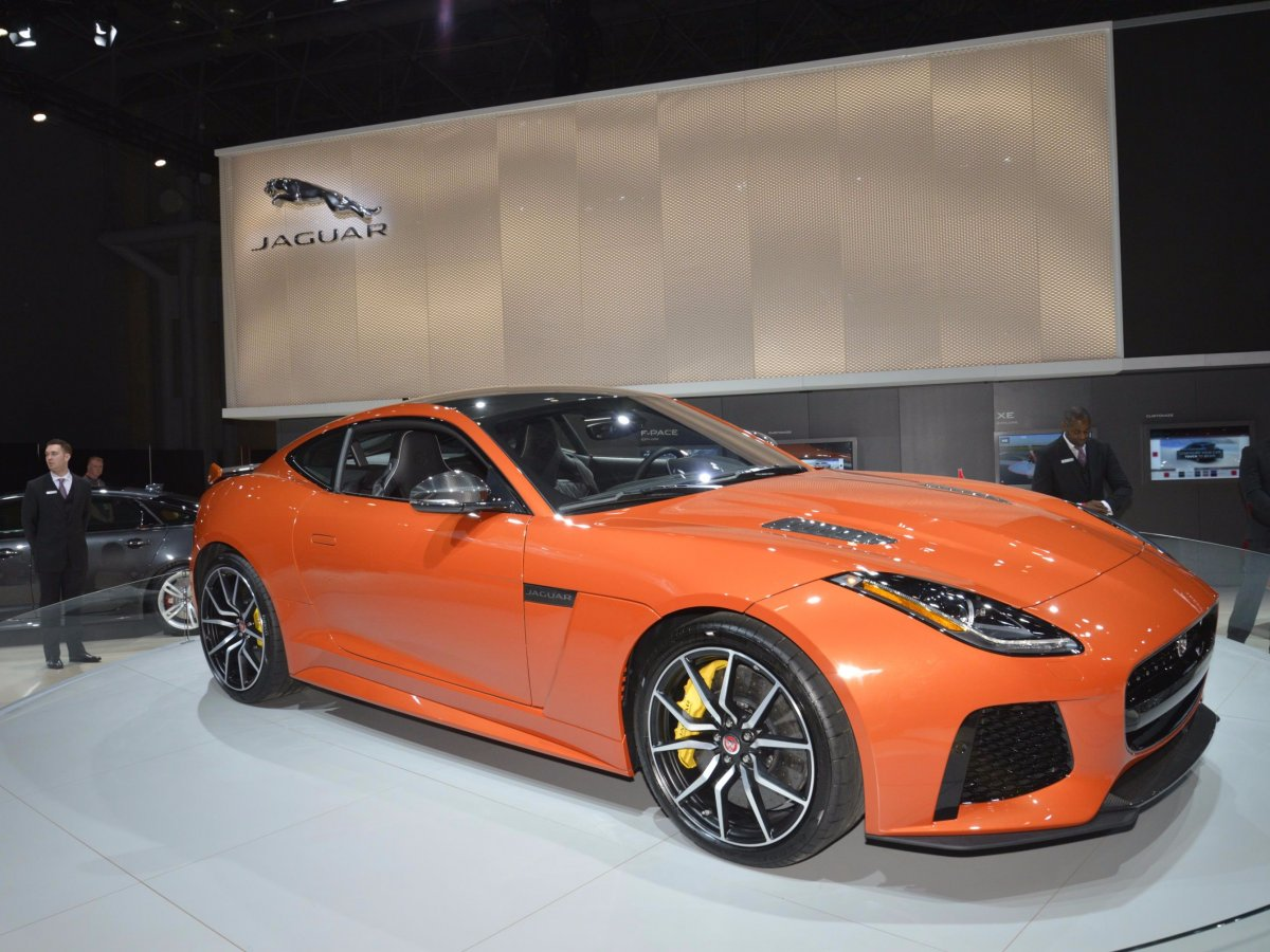jaguars-presence-in-new-york-focused-on-the-companys-new-200-mph-f-type-svr