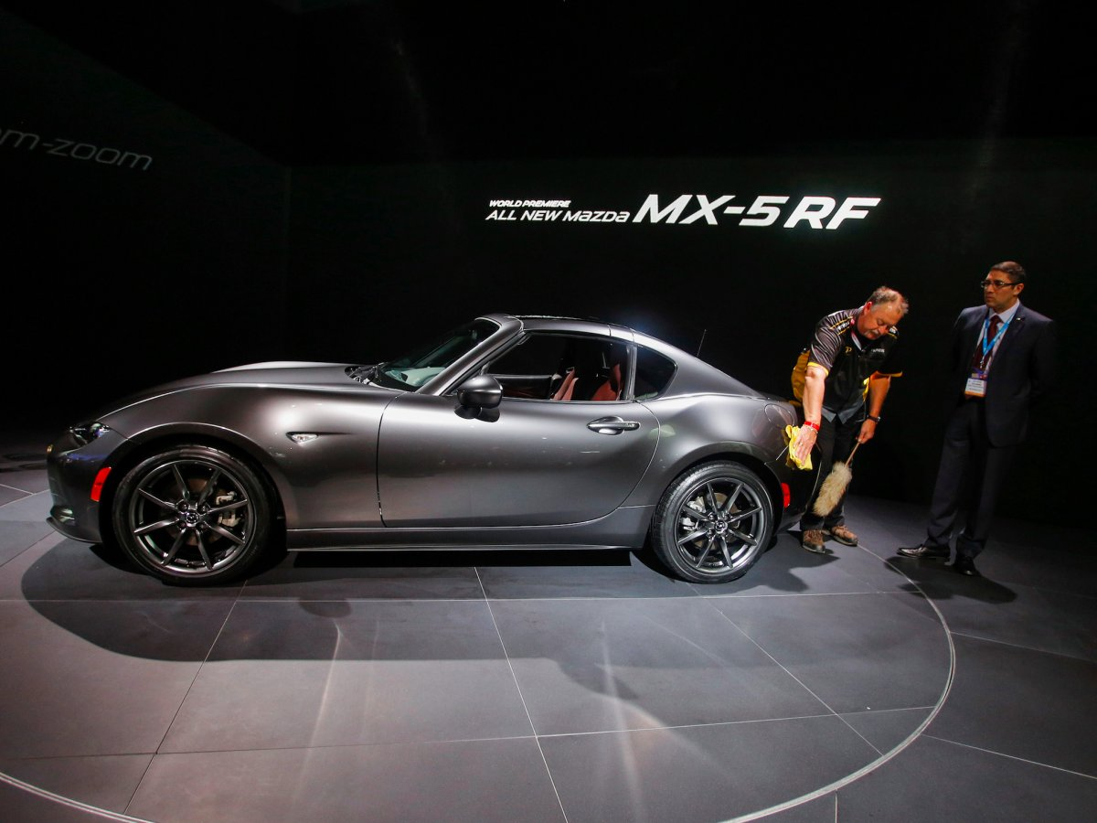 mazda-followed-with-the-unexpected-fastback-hardtop-mx-5-rf