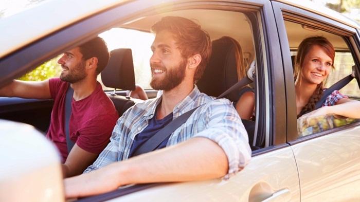ridesharing-car-taxis-drive