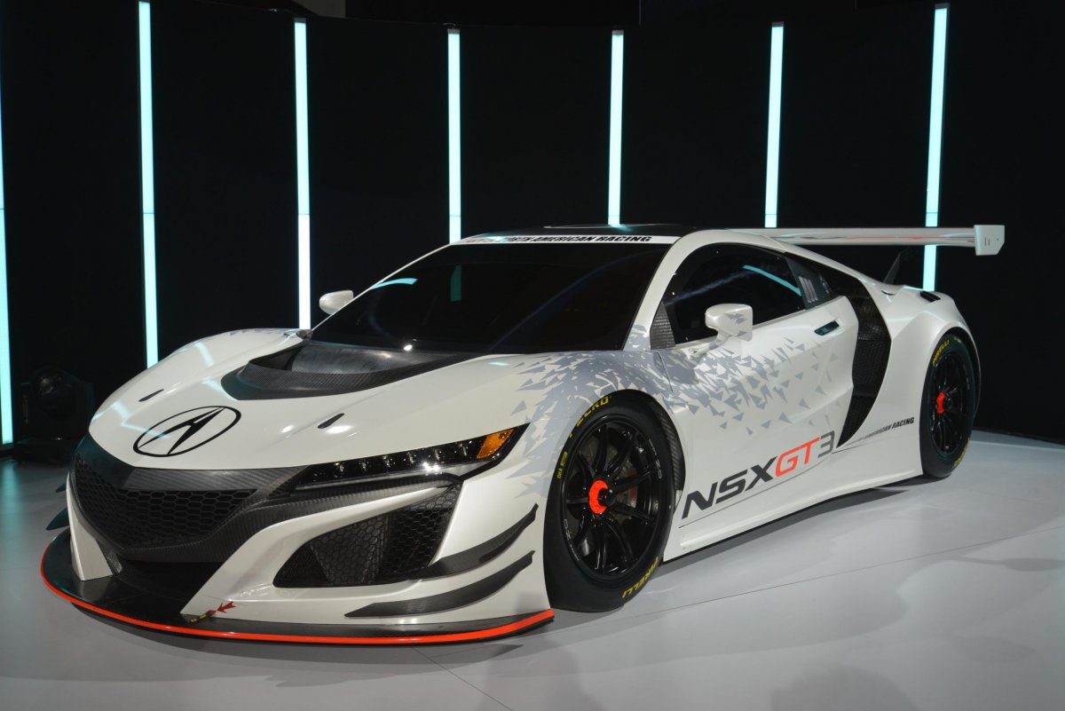-showed-off-the-gt3-racing-version-of-its-new-nsx-supercar