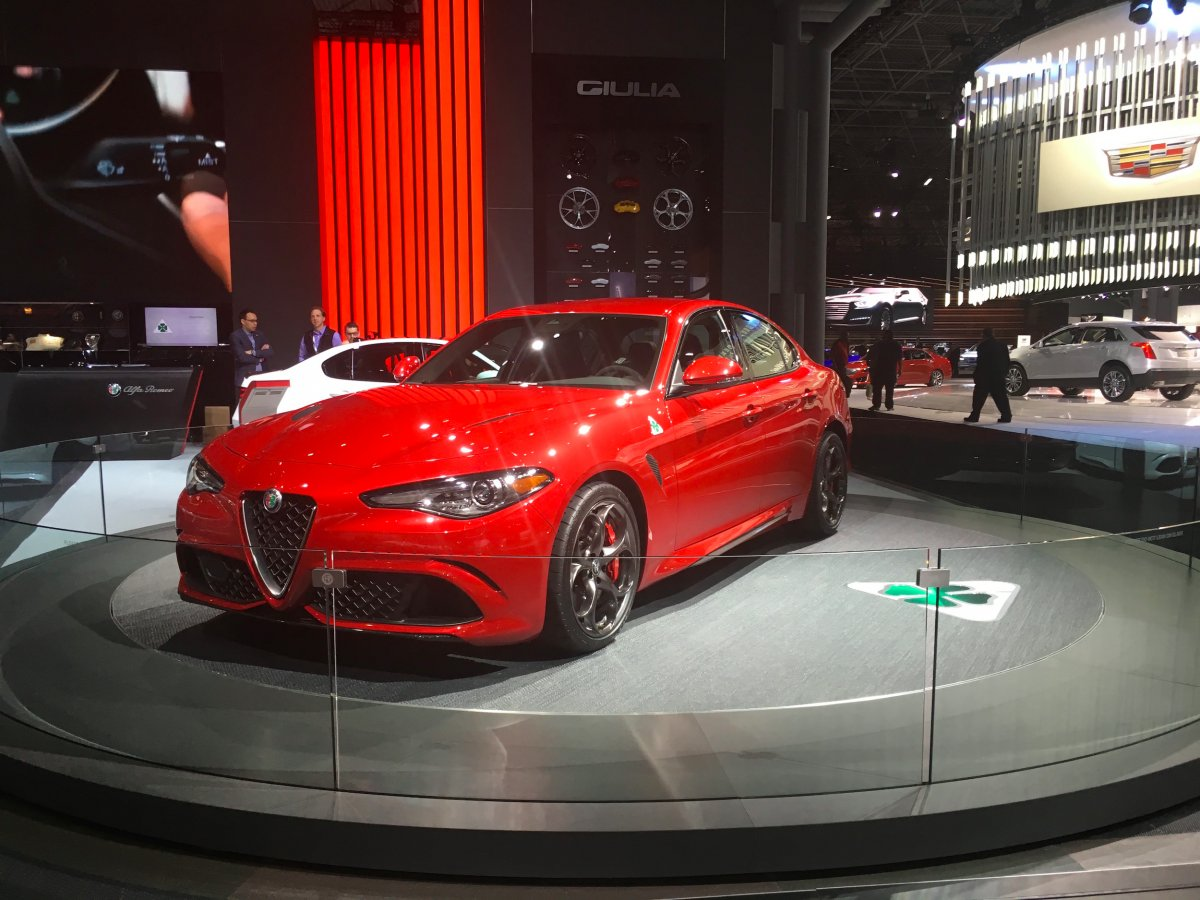 the-new-york-show-audience-get-to-see-alfa-romeos-new-bmw-3-series-fighting-giulia-sedan-in-the-flesh