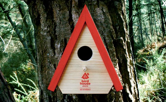 บริษัทประกันหัวใส สร้างบ้านรังนกสุดอัจฉริยะ ติดไว้บนต้นไม้ มีไฟป่าเมื่อไหร่ เซ็นเซอร์แจ้งให้รู้ทันที