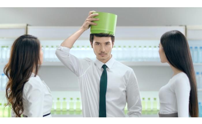 แคมเปญโฆษณาชุดใหม่ของน้ำมะพร้าวแท้ 100% ตราโคโค่แม็ก สดชื่น ทุกที่ ทุกเวลา