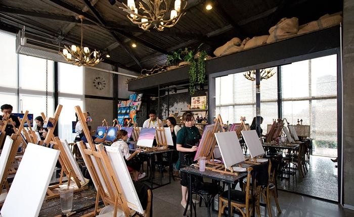 Paint Bar ไลฟ์สไตล์คาเฟ่แห่งใหม่ที่แหวกแนวกระแสคาเฟ่ฟีเว่อร์ ด้วยคอนเซ็ปต์บาร์ศิลปะ