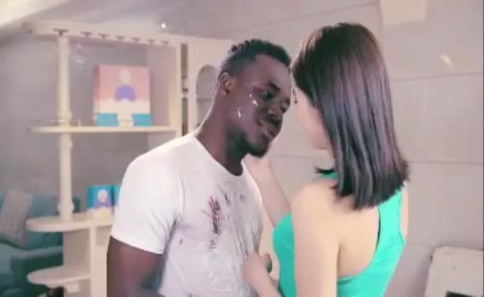 โฆษณาเหยียดผิวล่าสุดจากจีน ก่อดราม่าไปทั่วโลก