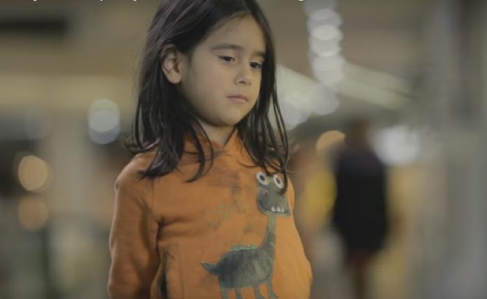 ยูนิเซฟใช้เด็กคนเดียวกันแต่แต่งตัวผิดลุคส์กัน หวังสะท้อนภาพความจริง เพื่อให้คนปฏิบัติต่อเด็กยากไร้อย่างเท่าเทียม