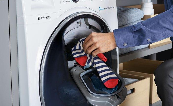 """Samsung รุกตลาดเครื่องซักผ้าฝาหน้า สุดยอดนวัตกรรม """"AddWash"""" สะดวกง่าย เติมผ้าได้ระหว่างซัก"""