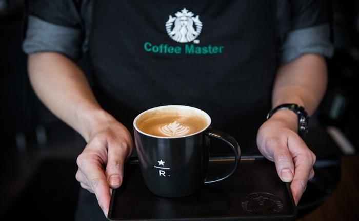 Starbucks ตอกย้ำประสบการณ์เหนือระดับของการดื่มกาแฟ ฉลอง 18 ปี เปิด Starbucks Reserve Experience Store