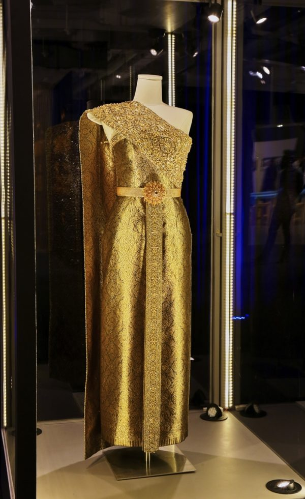 1queen-sirikit-dress-1-600x981