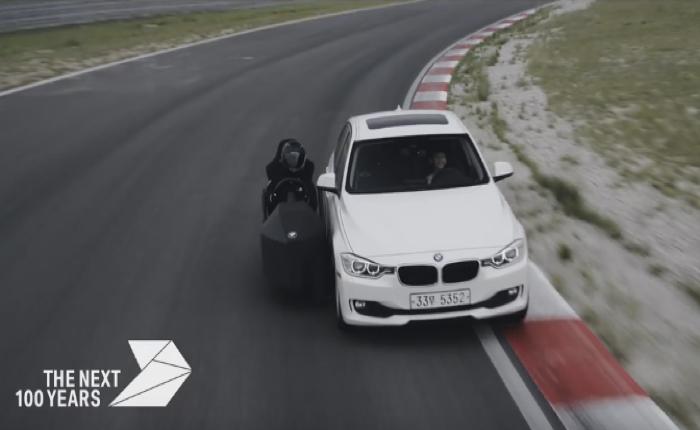 BMW เอาใจเด็กชาย แม้ขาจะยังไม่ถึงคันเร่ง แต่ก็สามารถขับรถคันเท่ลงสนามได้สมใจ