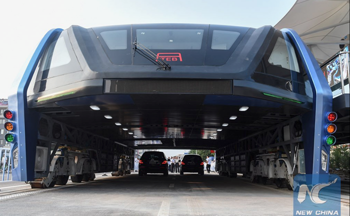 ทำเสร็จแล้ว… รถบัสสุดไฮเทค พี่จีนนำไปทดสอบระบบวิ่งบนถนนจริงครั้งแรก